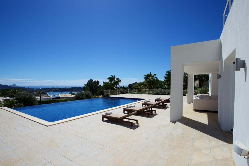 Seven Stunning Villas with Infinity Pools in Ibiza for 2017 - 2018