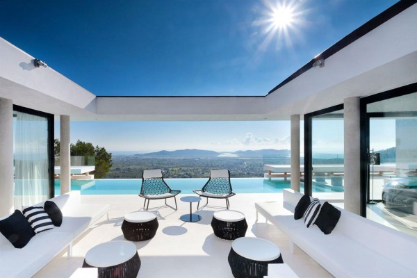 Ibiza Opening Weekend Special Offer: Villa Can Koi